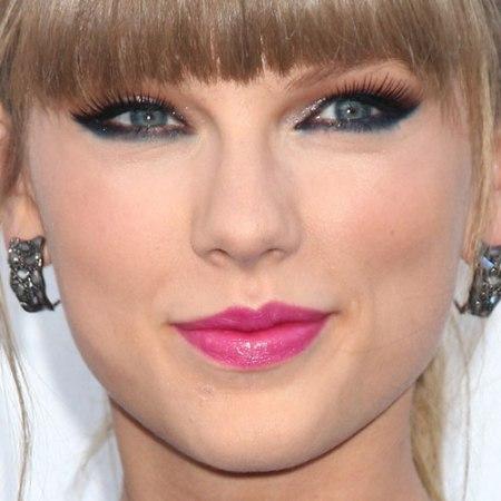 47-taylor-swift-makeup