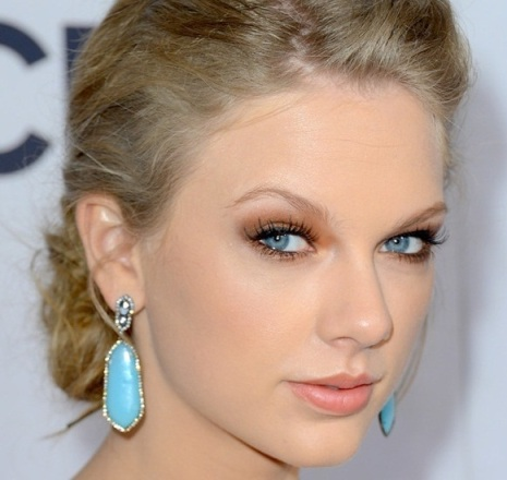 botica-urbana-peoples-choice-awards-taylor-swift-makeup