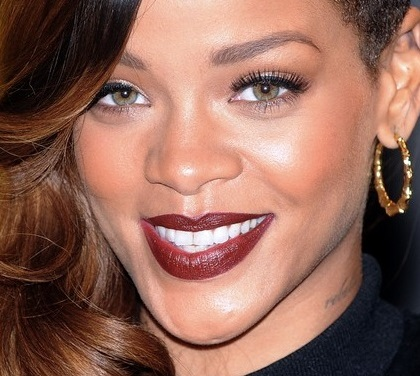 Rihanna_lipstick