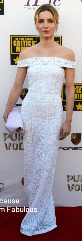 Annabelle-Wallis-in-Burberry-Prorsum-2014-Critics-Choice-Movie-Awards--600x902