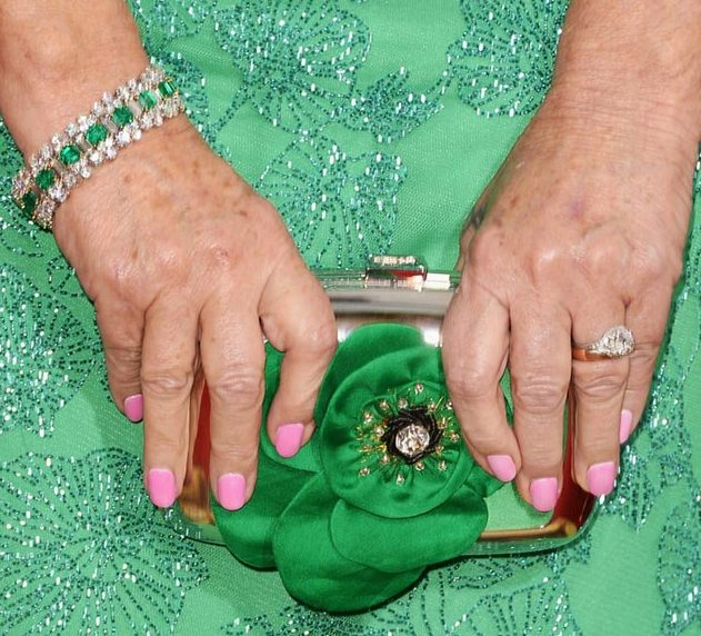 helen-mirren-nails-2014-golden-globes