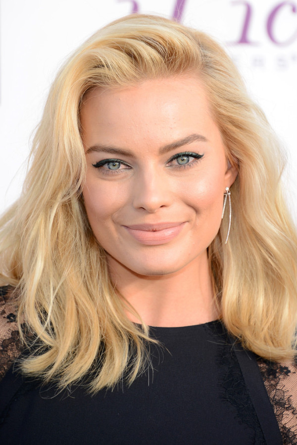 Margot-Robbie-2014-Critics-Choice-Awards-600x900