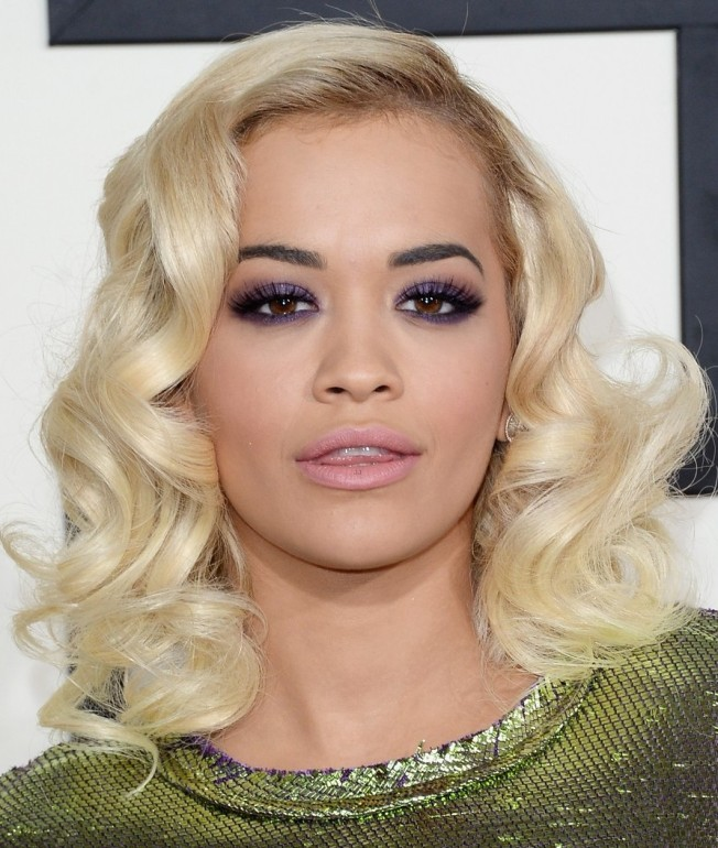 rita-ora-grammys-2014-red-carpet-04