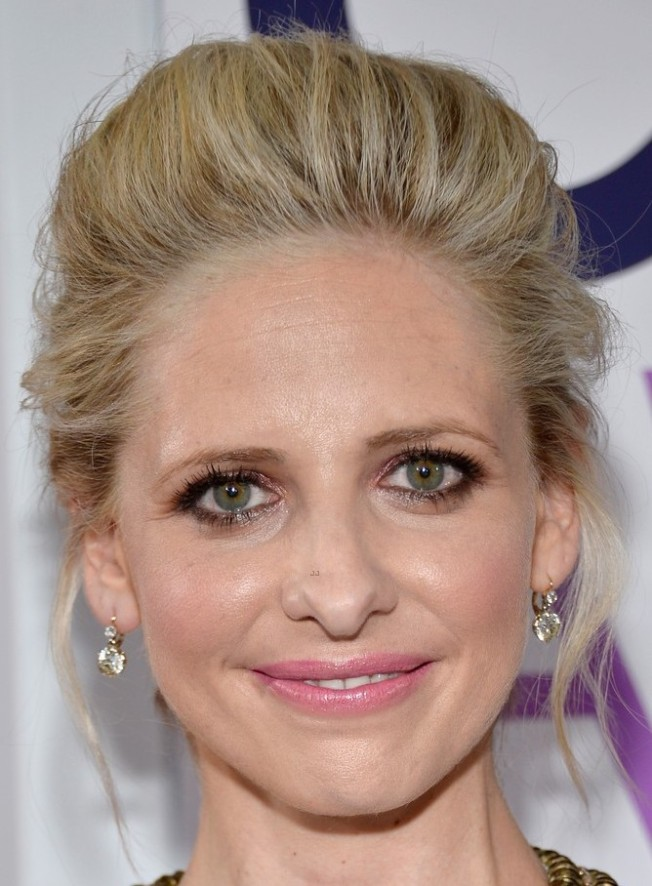 sarah-michelle-gellar-amanda-setton-peoples-choice-awards-2014-11